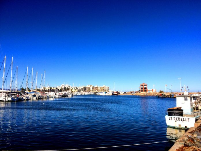 Port Barcaresin satama.
