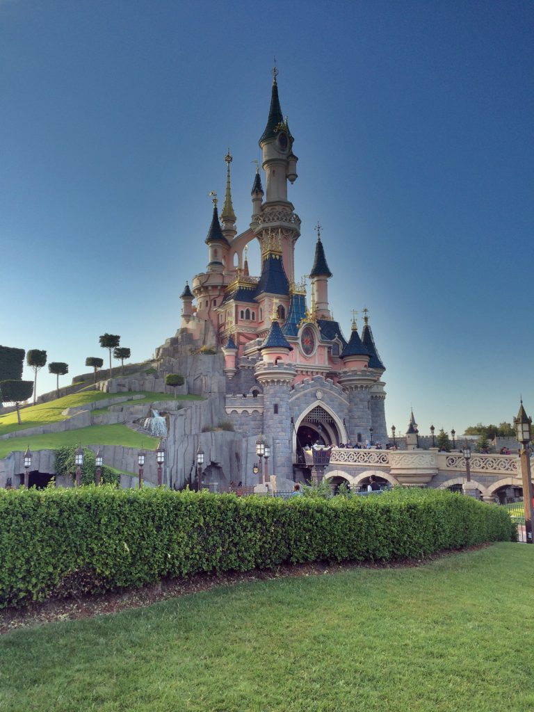 Tietenkin jokaisen lapsen (ja aikuisemmankin) unelmakohde: Disneyland.