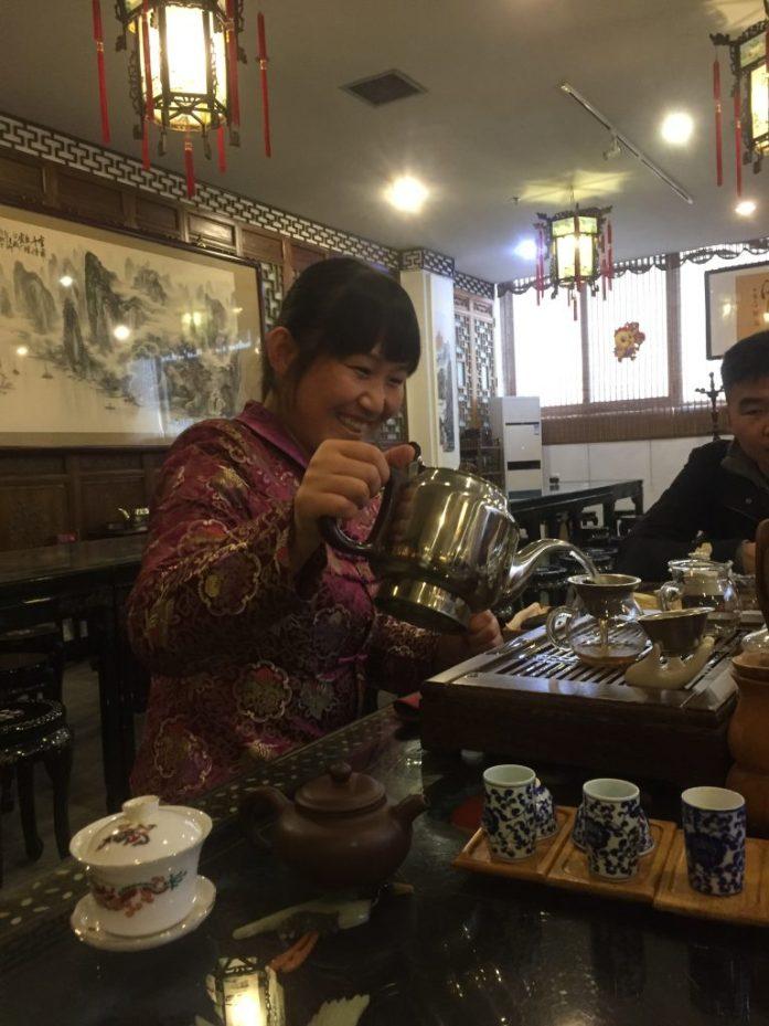 Kiinalainen teeseremonia oli hauska etappi, tosin ajan kanssa omana kokemuksena siitä olisi saanut enemmän irti.