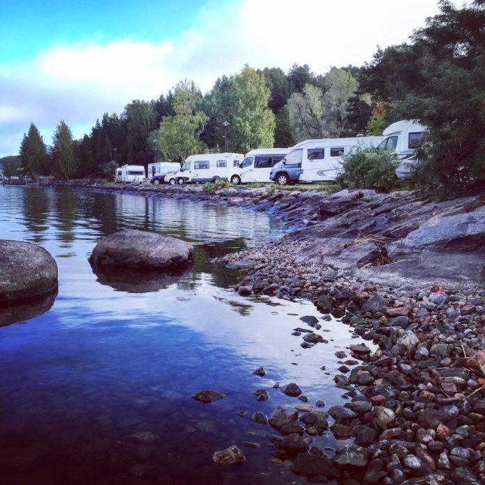matkailuajoneuvot_rantamaisema_caravan