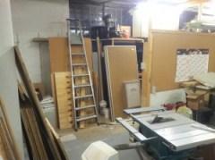 ... noch 5 Wochen bis zum Auszug - Viel wird um- und abgebaut. Die ersten Meter der Trennwand sind aus Platzmangel schon weg.