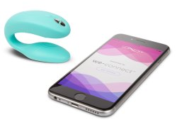 Share experiences with your long distance relationship with the We-Vibe Sync