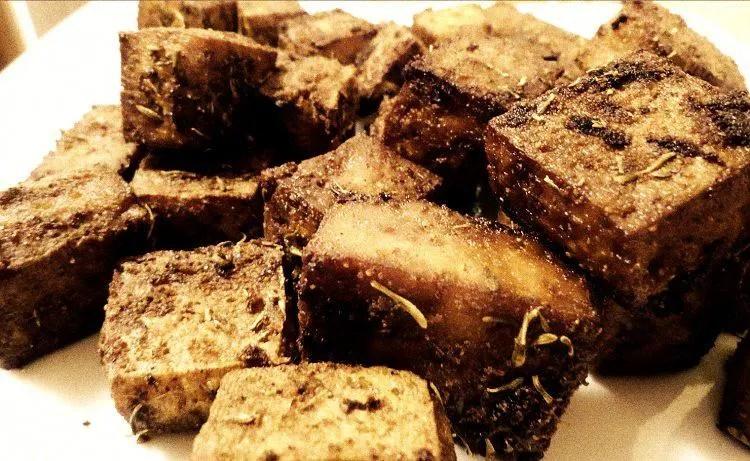 Tofu croustillant et tendre au four