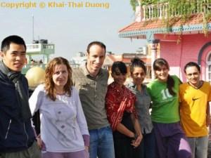 Glückliche Volontäre, weil wir dank Nepali Host Family wissen, dass das Geld auch bei den Projekten ankommt.