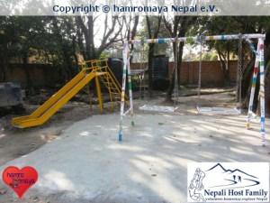 Eine neue Spielecke wurde dank hamromaya Nepal e.V. in einer Behindertenschule in Kathmandu, Nepal errichtet.