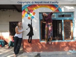 "hamromaya Nepal e.V. entwickelte das Motto ""Life is colourful"" in einer Behindertenschule in Kathmandu, Nepal."