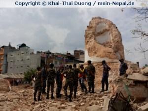 Der 60m Besichtigungsturm Dharahara im Zentrum Kathmandus ist vollkommen zerstört.