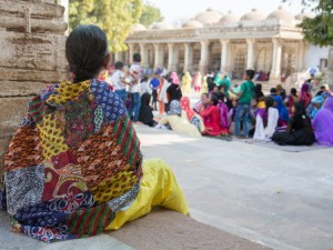 Farbenfrohes Nepal - Frauen in Saris und Gewändern
