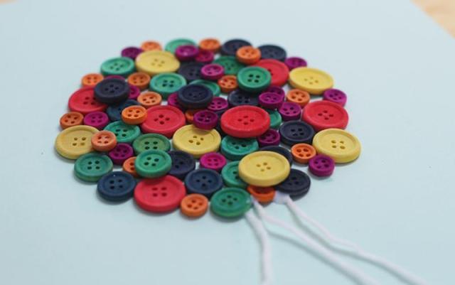 decoration-mongolfiere-avec-des-boutons-2-l