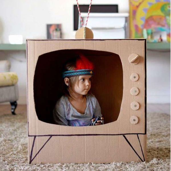 télé en carton
