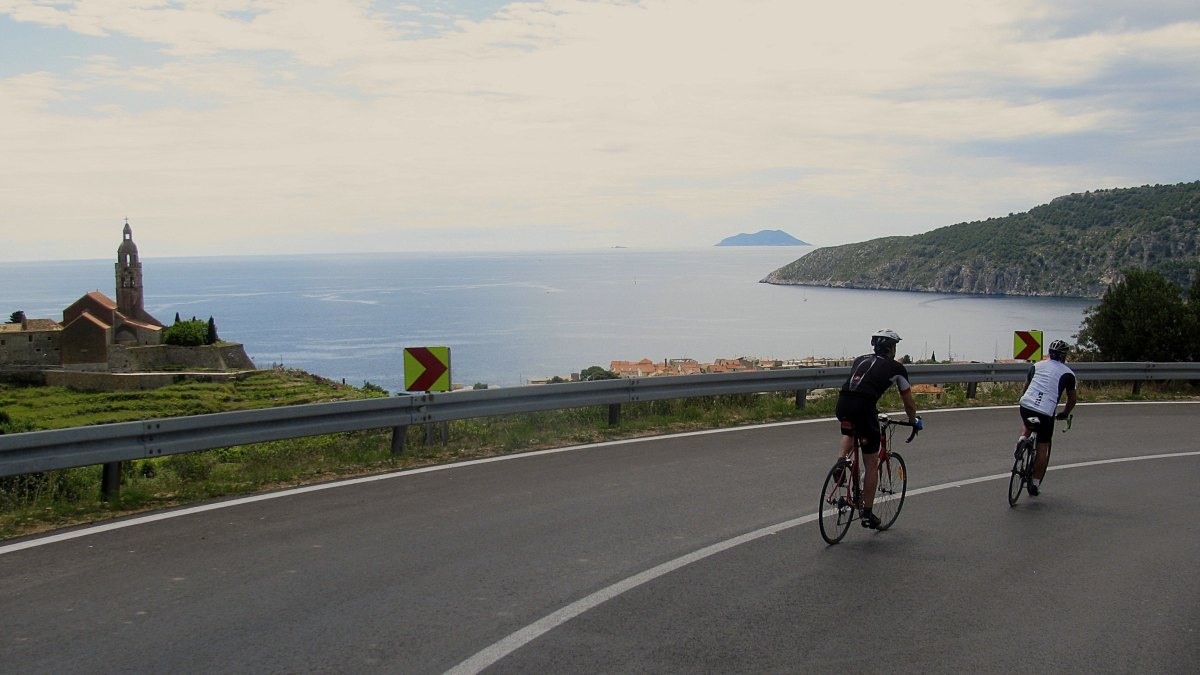 Cycling on Island Vis