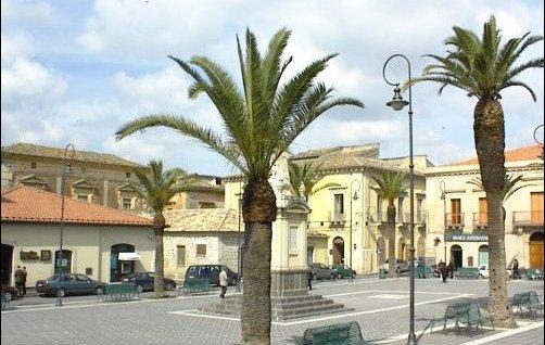 piazza-umberto-scordia