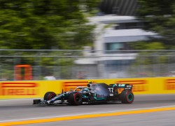 Lewis belegt in einem hart umkämpften Qualifying Platz zwei, Valtteri kommt dahinter auf Platz sechs