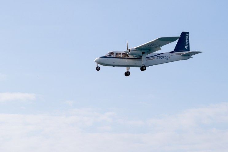 One of the many flights to Los Roques each day.