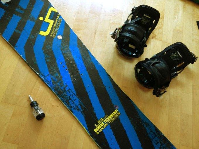 LIB TECHのスノーボードとSALOMONのビンディング