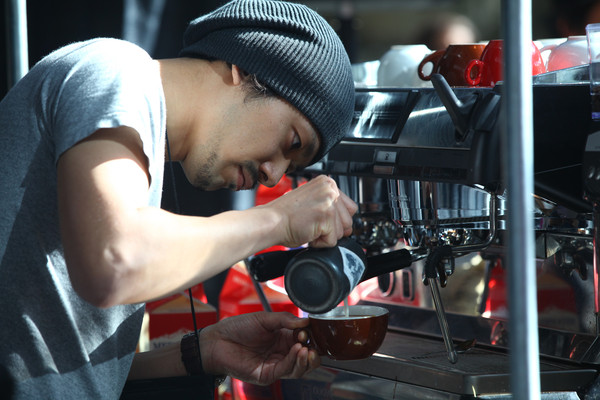 Maestro Creating Latte Art