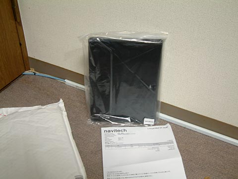 ロンドンから届いたばかりのnavitech社製のASUS TF103C専用カバー