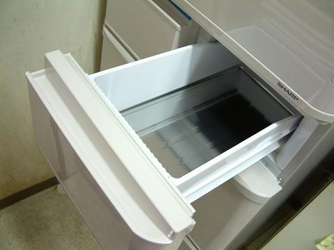 右の引き出しが冷凍室(上)