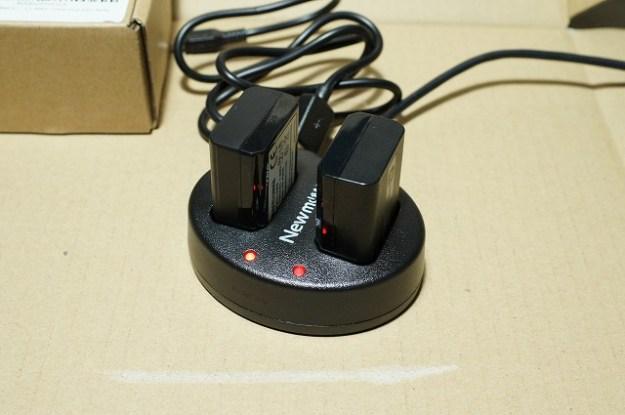 バッテリーを2個同時に充電できます!