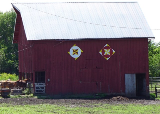Red_barn_2