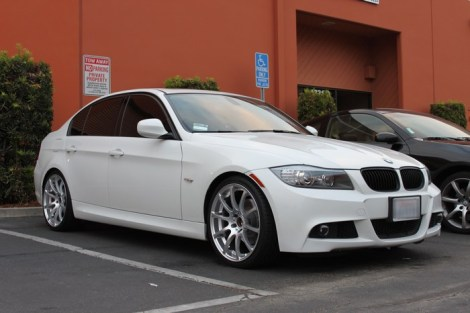 bmw-e90-328i-angel-eyes-install-3