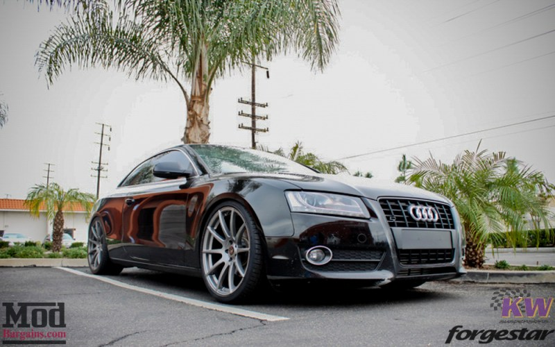 Forgestar_CF10_GM_B8_Audi_A5_Black_on_KW_V1coilovers_rsgrille-1
