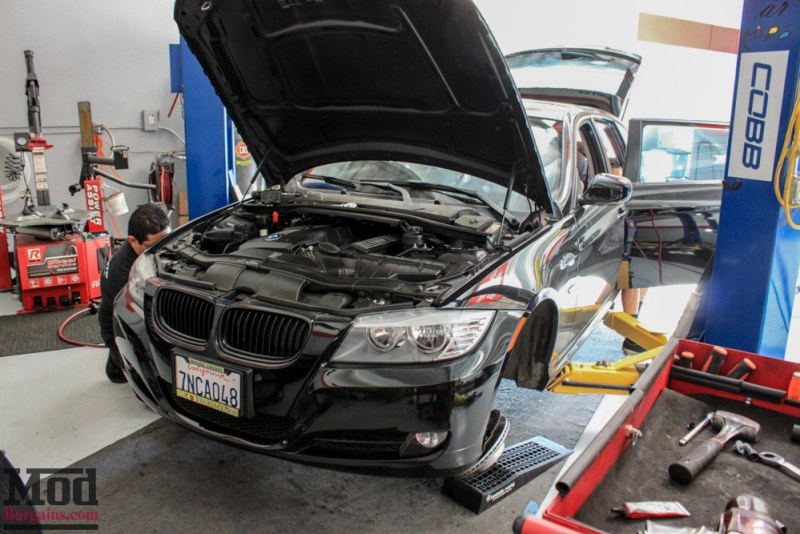 BMW_E91-_328i_Touring_ST_Coilovers-1