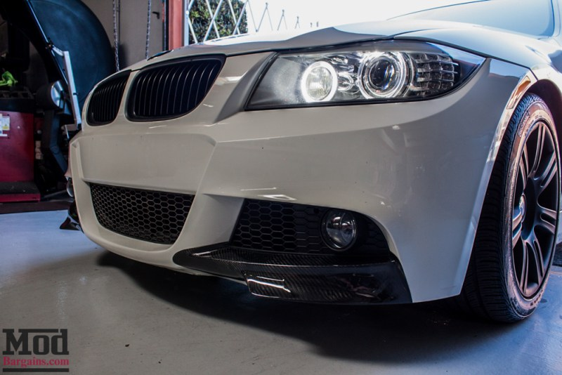 BMW_E90_White_CF_Splitters_Halos_Black_Kidneys-10