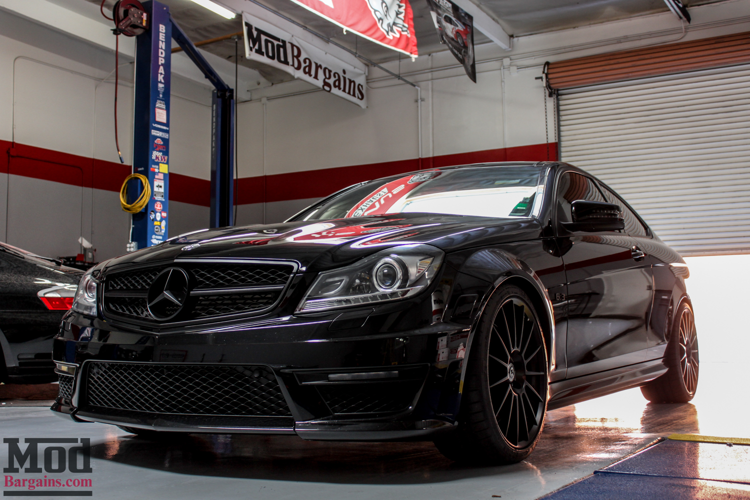 w204 mercedes c63 amg coupe on hre ff15 tarmac wheels. Black Bedroom Furniture Sets. Home Design Ideas