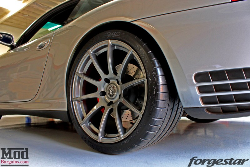 porsche-996-carrera-4s-on-gm-forgestar-cf10-img004
