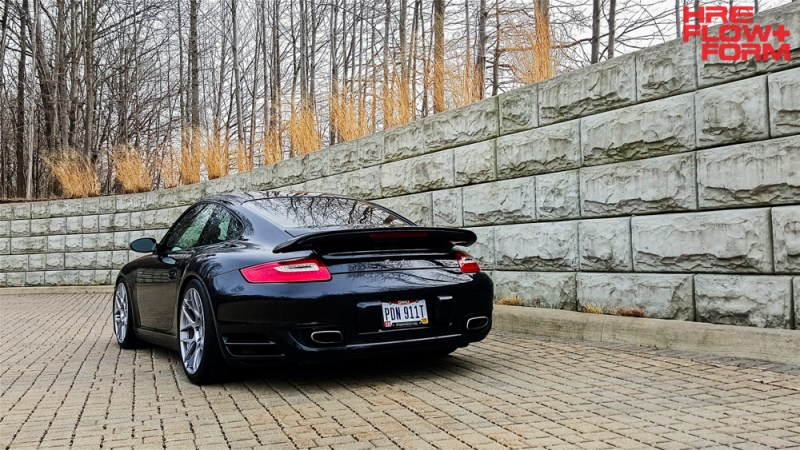 Porsche_997_turbo_on_HRE_FF01_Liquid_Silver (1)