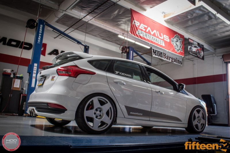 Ford_Focus_ST_2016_Mountune_MP275_Fifteen52_Tarmac_Silver (4)