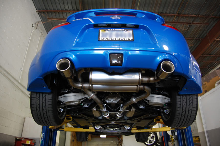 Stillen_Exhaust_370z_Dual_Exhaust_Installed_Underneath