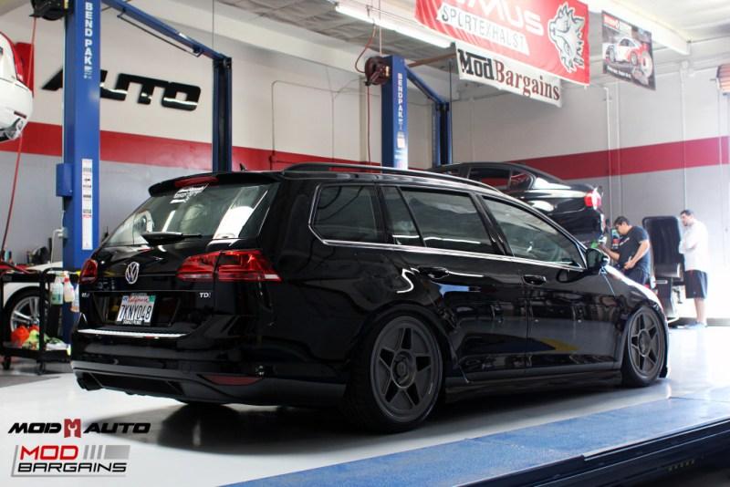VW_Golf_Sportwagen_Fifteen52_Tarmac_R43_Airlift (21)