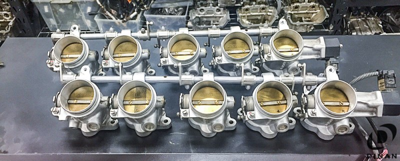 BMW_E60_M5_Dinan_Throttle_Bodies_S85