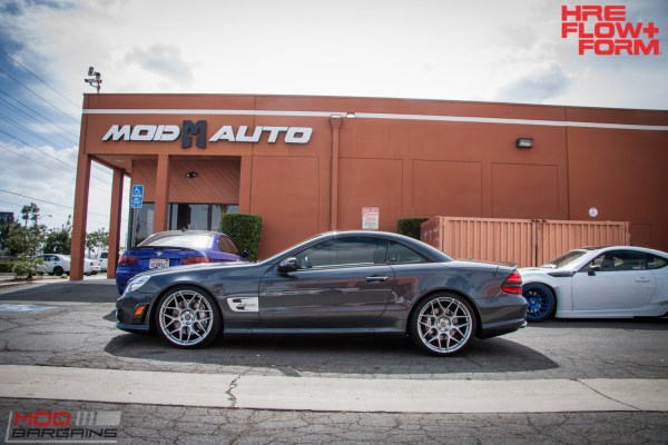 Sharp Enough to Cut Glass: Mercedes AMG SL63 on HRE FF01 Wheels [R230]
