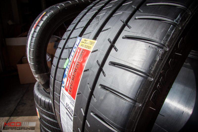 Michelin_Pilot_SuperSport_335_20_instock (6)