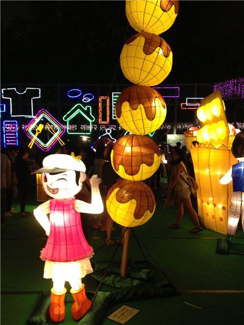 Lanterns depicting fish balls - a super popular streetfood snack in Hong Kong