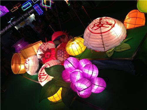 The white lanterns are the famous buns of the Cheung Chau Bun Festival