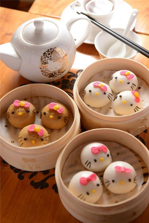 Deliciously cute. These Hello Kitty Steam buns. picture from kotaku.com