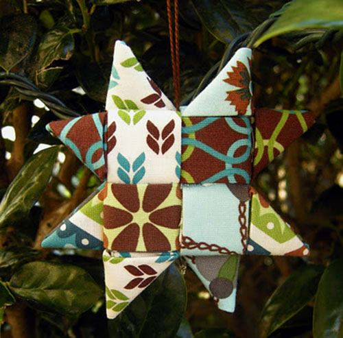 A beautiful DIY Christmas star, image courtesy of Betz White