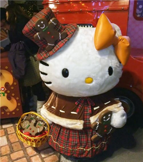 Christmas Hello Kitty with gingerbread cookies