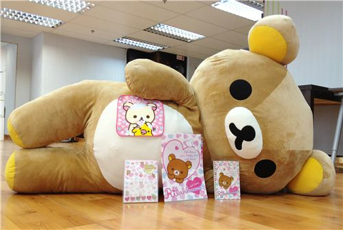 the lazy bear with some of his favourite Rilakkuma stationery