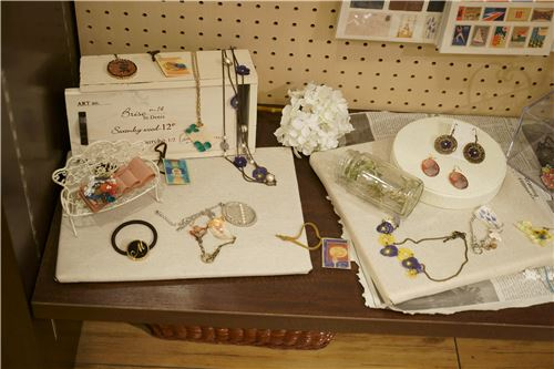 More lovely accessories