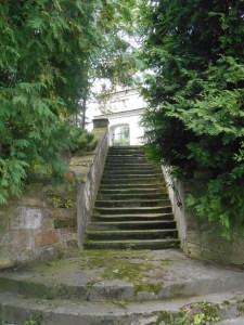 Schody prowadzące do kościoła w Malicach