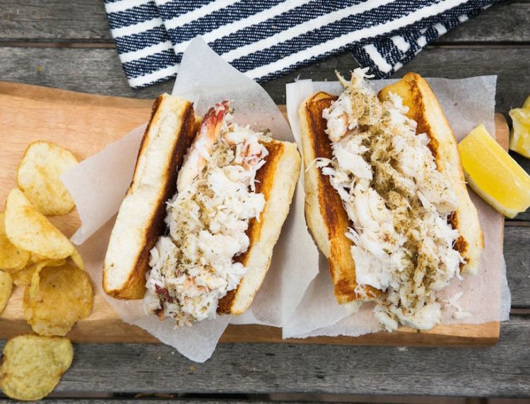 02-dungeness-crab-roll