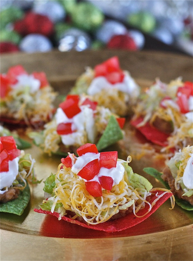 04-no-bake-christmas-nachos-the-hopeless-houswife