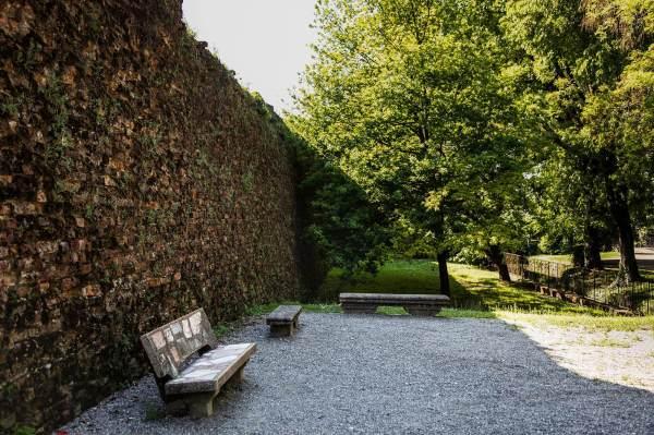 """no scorcio delle mura venete a Crema (Cr) il luogo scelto da Barbara per il suo ritratto per il progetto """"Donne di Crema"""" (C)Monica Monimix Antonelli"""