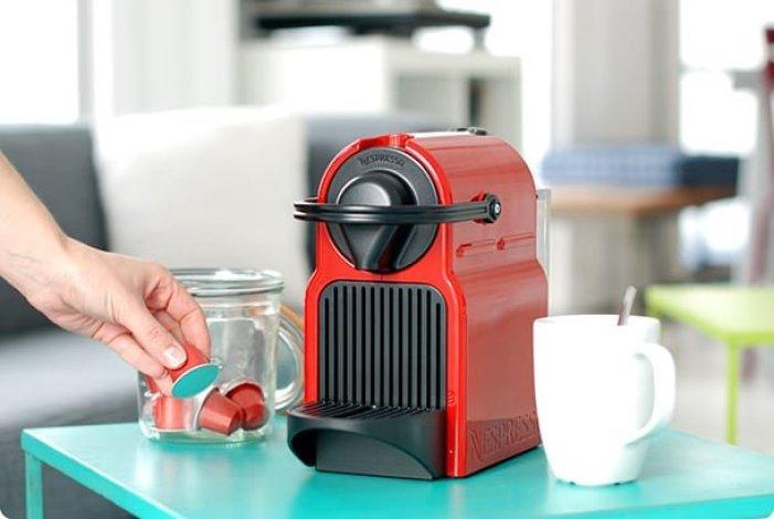 cafeteira-nespresso-vermelha
