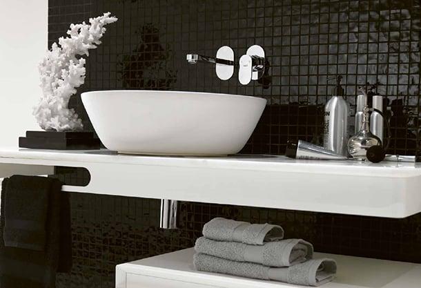decoracao-de-banheiro-preto-e-branco-diferente